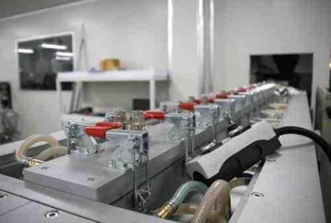 ساخت کارخانجات و ماشين آلات توليد لوله تراکئوستومي