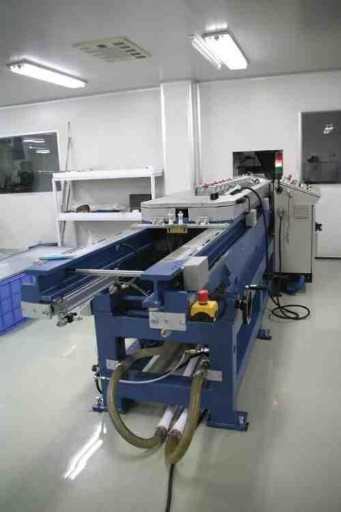 ساخت کارخانجات و ماشين آلات توليد چست تيوب