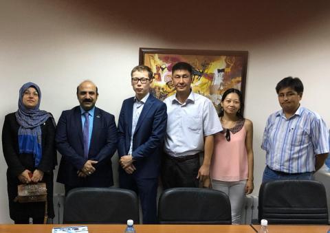 ملاقات با فعالین تجهیزات پزشکی در کشور قرقیزستان