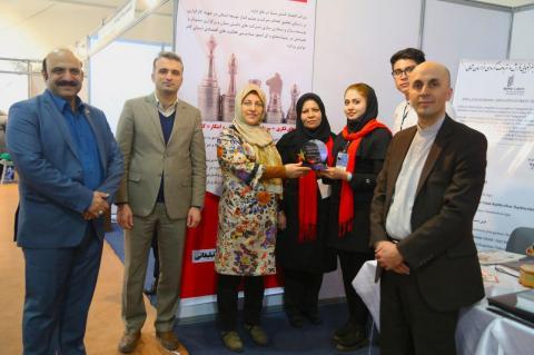 اهدای تندیس مشارکت نمایشگاهی اولین رویداد بروکراکسپو به اقتصاد گستر سینا