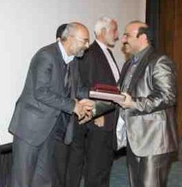 دريافت تنديس از نمايندگان مجلس شوراي اسلامي